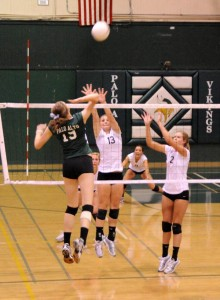 Volleyball falls to Los Gatos, ends 26-game streak