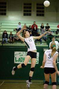 Volleyball kicks off quest for state championship with three game victory over Lincoln