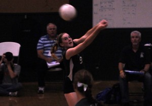Volleyball beats Presentation 3-2 overall in non-league home game match