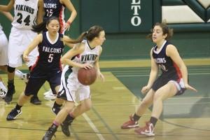 Girls' basketball tops Saratoga 43-39