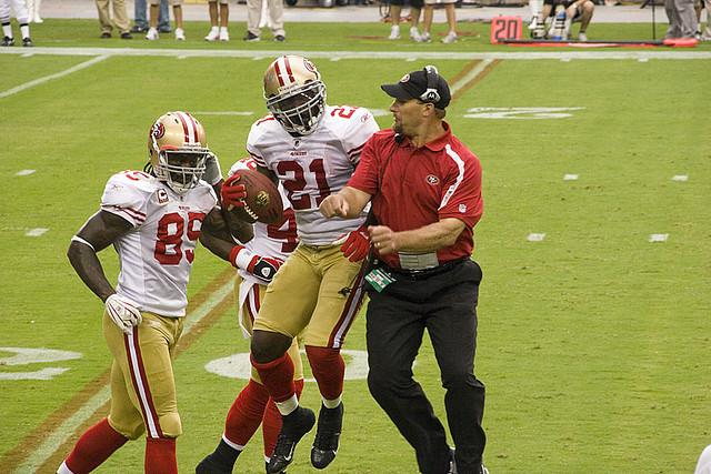 Frank+Gore+celebrates+a+score+against+the+Arizona+Cardinals.+Unfortunately%2C+Gore+wasn%27t+celebrating+when+the+confetti+fell+in+New+Orleans.+