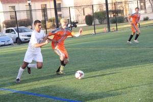 Boys' soccer loses 2-0 against Los Gatos