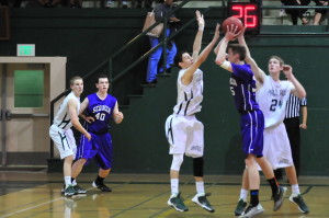 Basketball defeats Sequoia 61-47 in first round of CCS