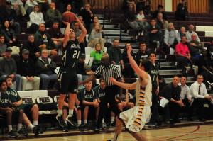 Boys' Basketball falls to Menlo-Atherton 51-43 in CCS