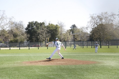 Paly baseball falls to Carlmont 5-4 in extra innings