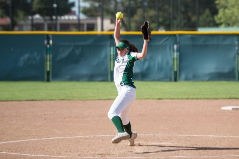 Softball loses to Los Gatos 15-0 on Run-Rule