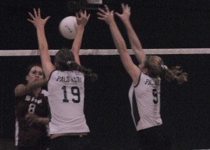 Volleyball overcomes 0-2 deficit, defeats Sacred Heart