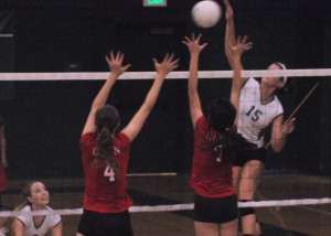 Volleyball starts league off 1-0, beats rival Gunn