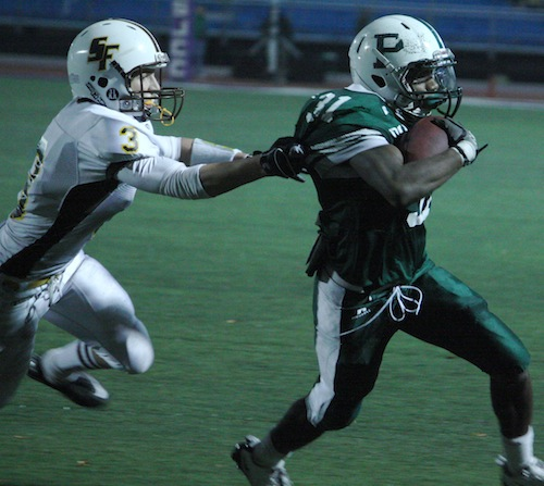 Morris Gates-Mouton ('12) pulls away from a lancer defender on his way to the endzone.