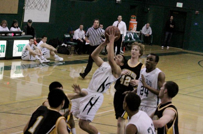 Paly+boys%27+basketball+beats+Mountain+View+51-48