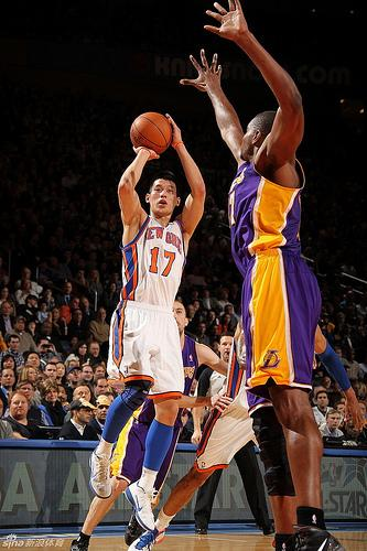The New York Knicks secured another victory against the Trailblazers Wednesday evening and will play the Indiana Pacers Friday night at Madison Square Garden. Paly alumnus Jeremy Lin ('05) scored six points and had six assists in tonight's game.