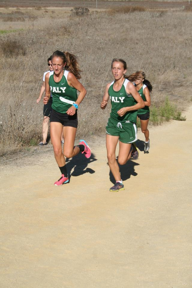 Katie+Foug+holds+first+place+for+the+girls%27+team+as+she+runs+at+the+Baylands+park.