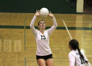 Volleyball drops close match to Los Gatos on Senior Night