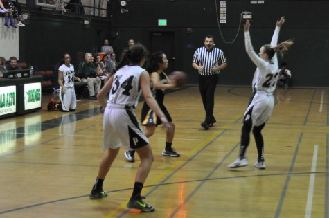 Girls' basketball defeats the Mountain View Spartans 53-40