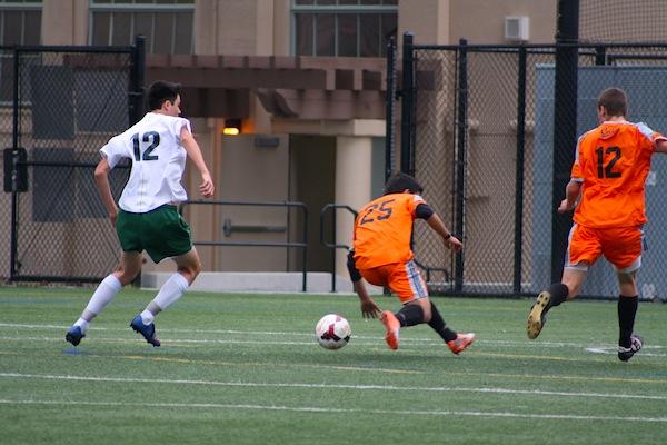 Senior night 2-1 win for boys' soccer against Los Gatos