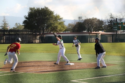 Paly Boys' Baseball wins 4-3 against Willow Glen