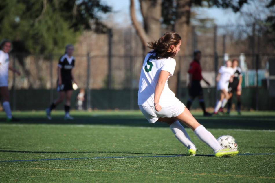 Girls' soccer takes down Menlo-Atherton 5-0