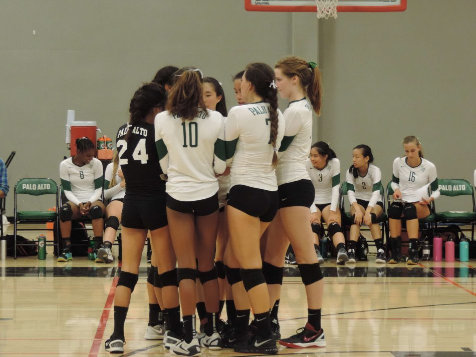 Volleyball+beats+Lynbrook+In+3+Sets+On+Senior+Night
