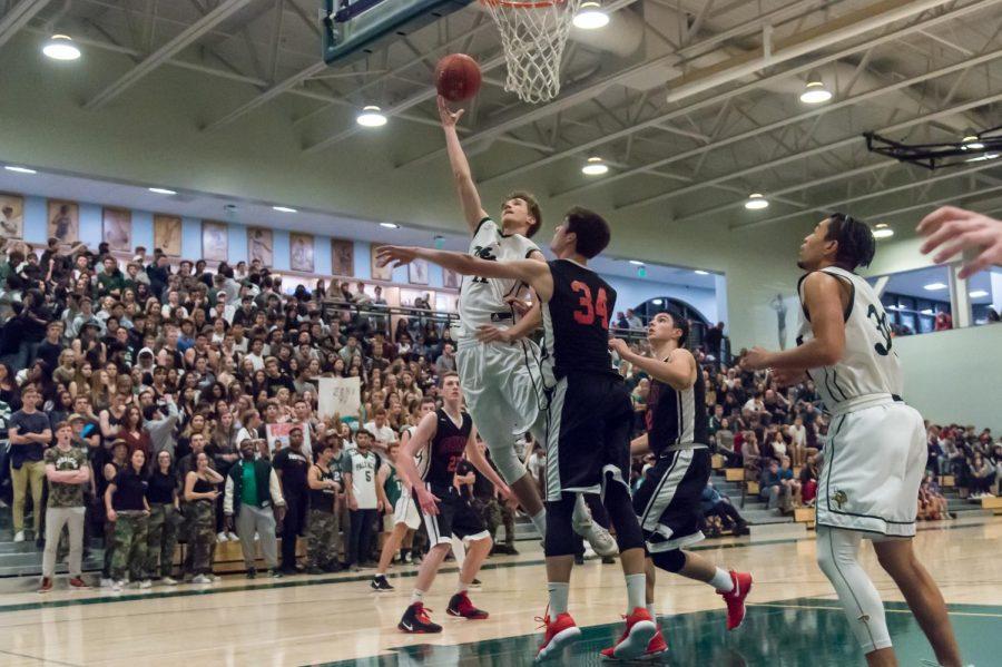 Boys%E2%80%99+Basketball+beats+rival+Gunn%2C+56-40