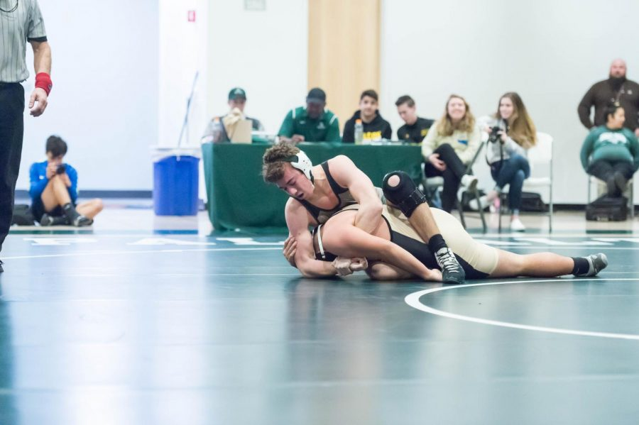 Paly Wrestling Falls to Los Gatos With a Score of 42-28