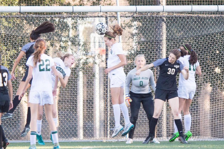 Girls Soccer Loses 5-1 to Mountain View