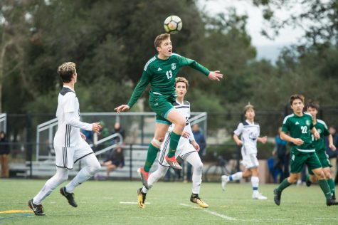 Marc Mbia(20') tries to convert a cross in Paly's 3-1 win over Los Gatos