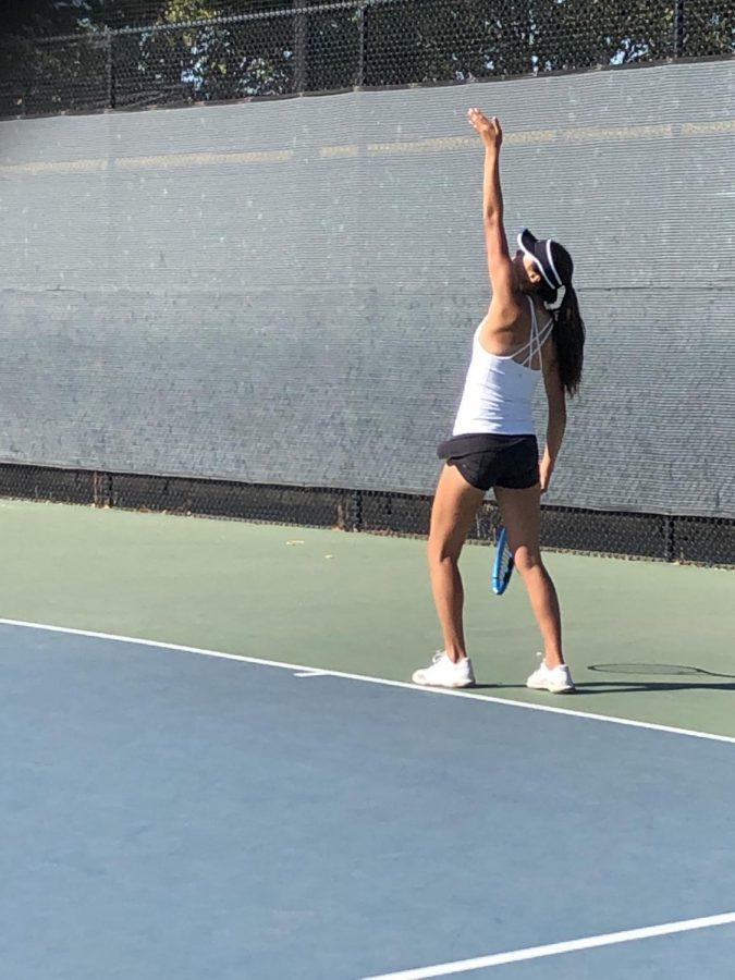 Girls Varsity Tennis Beats Castilleja 7-0