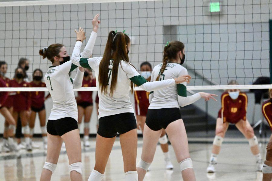 Girls Volleyball Defeats Menlo Atherton in First Pre-Season Game